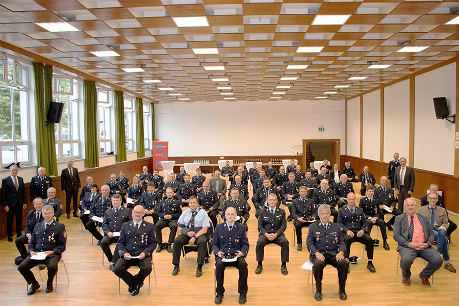 Ehrungen-Ploessberg-2021-Gruppe.jpg